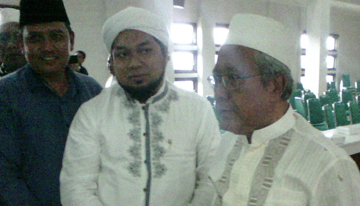 Gus Azaim, dan Sajad bersama Kyai Aziz Masyhuri ketika Halaqoh di PP Tebuireng